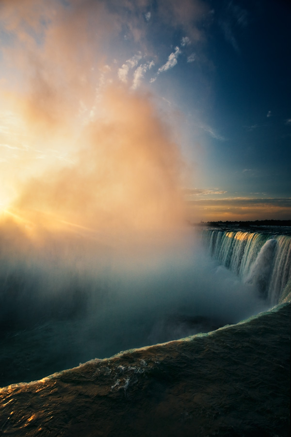 Horseshoe Falls, Dawn