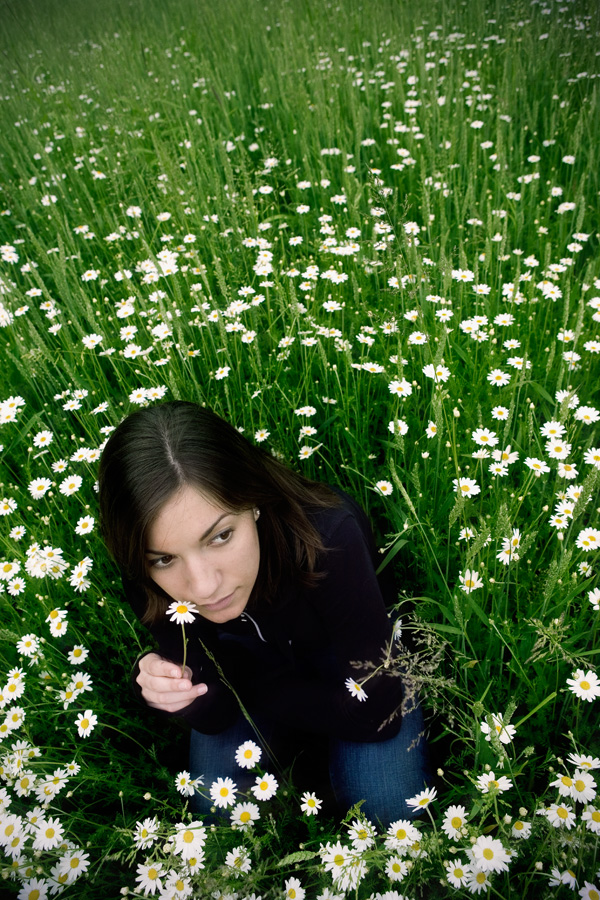 Jenn in the Chamomile (<i>Chamaemelum nobile</i>)